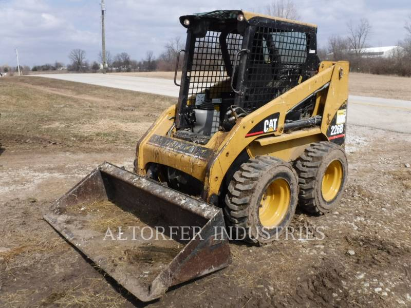 CATERPILLAR KOMPAKTLADER 226B MA7 equipment  photo 1