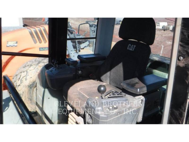 CATERPILLAR CARGADORES DE CADENAS 953D equipment  photo 6