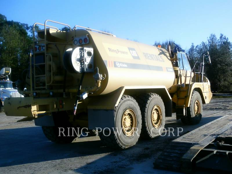 CATERPILLAR CAMIONS CITERNE A EAU 725C2WW equipment  photo 3