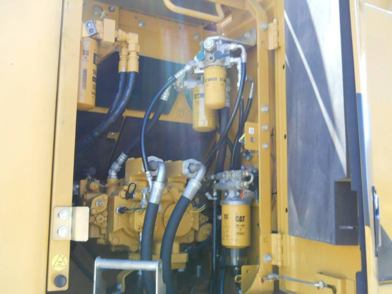 CATERPILLAR KETTEN-HYDRAULIKBAGGER 328DLCR equipment  photo 16
