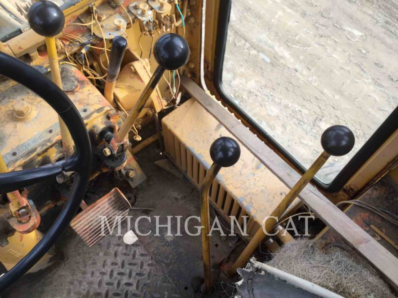 CATERPILLAR NIVELEUSES 120 equipment  photo 6