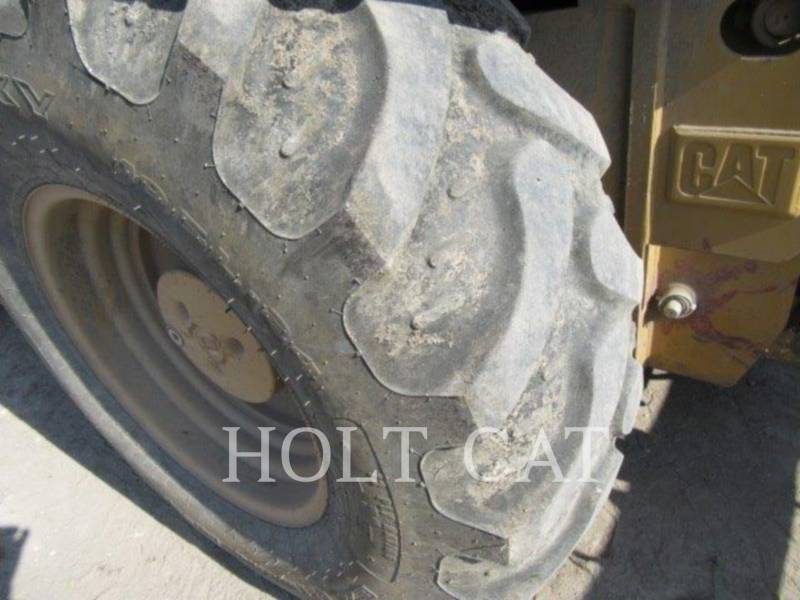 CATERPILLAR CHARGEUR INDUSTRIEL 414E equipment  photo 8