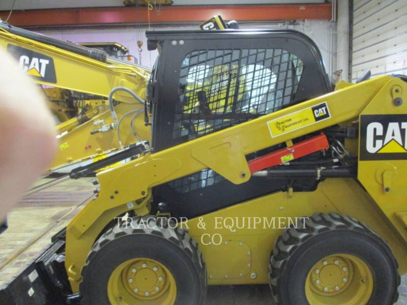 CATERPILLAR KOMPAKTLADER 246D equipment  photo 9