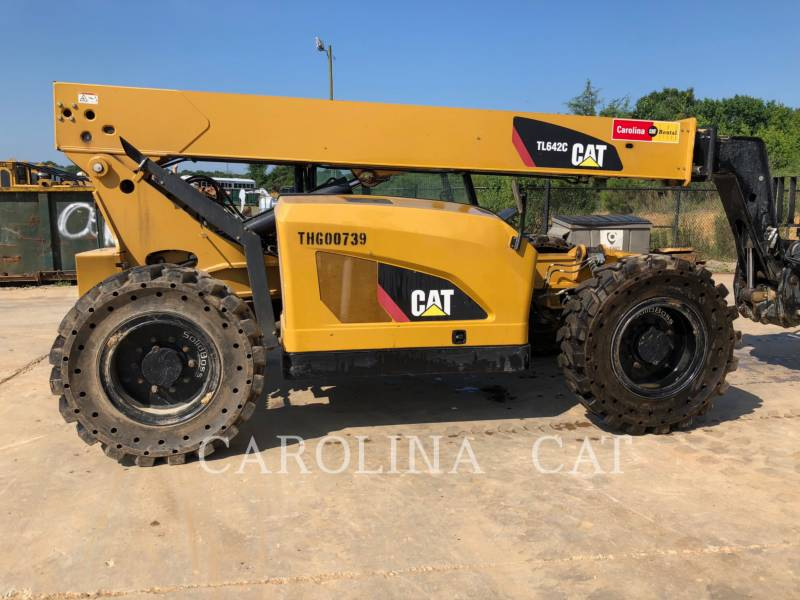 CATERPILLAR MOVIMENTATORI TELESCOPICI TL642C equipment  photo 5