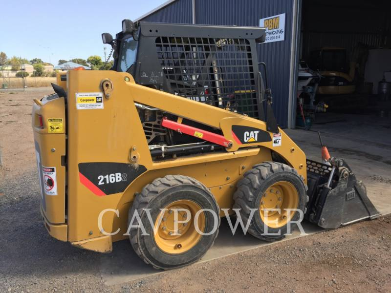 CATERPILLAR CHARGEURS COMPACTS RIGIDES 216B2 equipment  photo 4