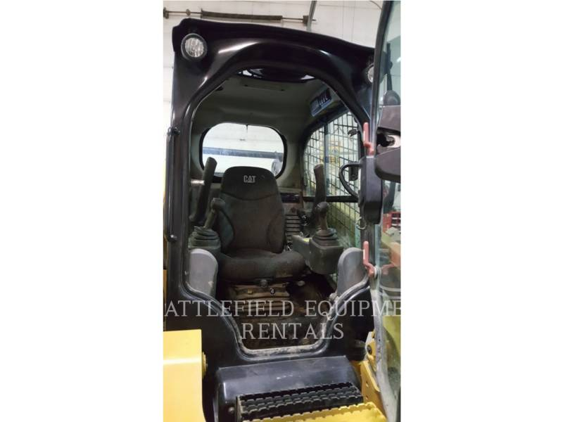 CATERPILLAR MINICARGADORAS 272D equipment  photo 8