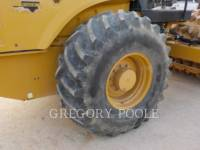 CATERPILLAR COMPACTEUR VIBRANT, MONOCYLINDRE À PIEDS DAMEURS CP-56B equipment  photo 20