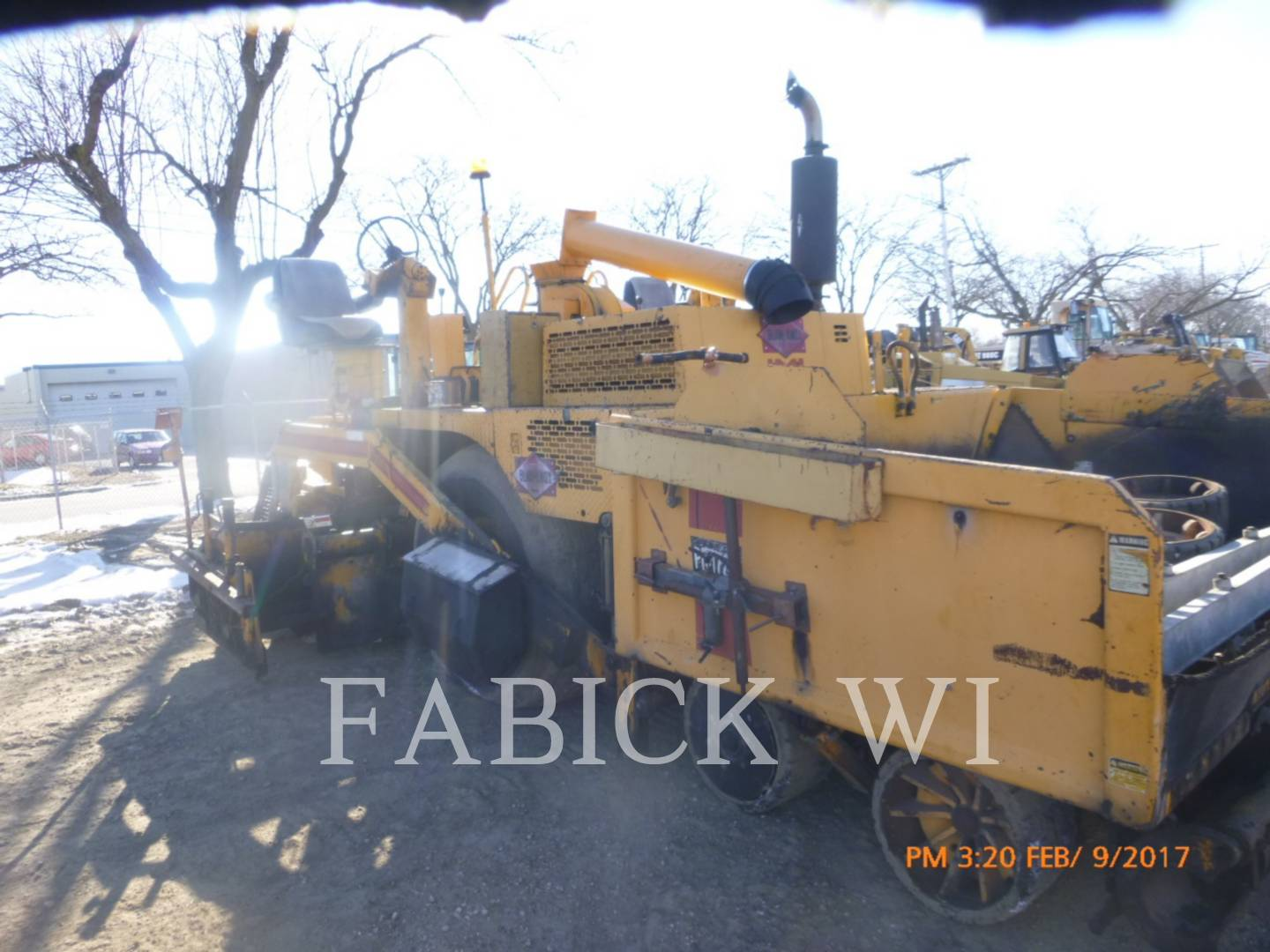 Detail photo of 1994 Blaw Knox PF172B from Construction Equipment Guide