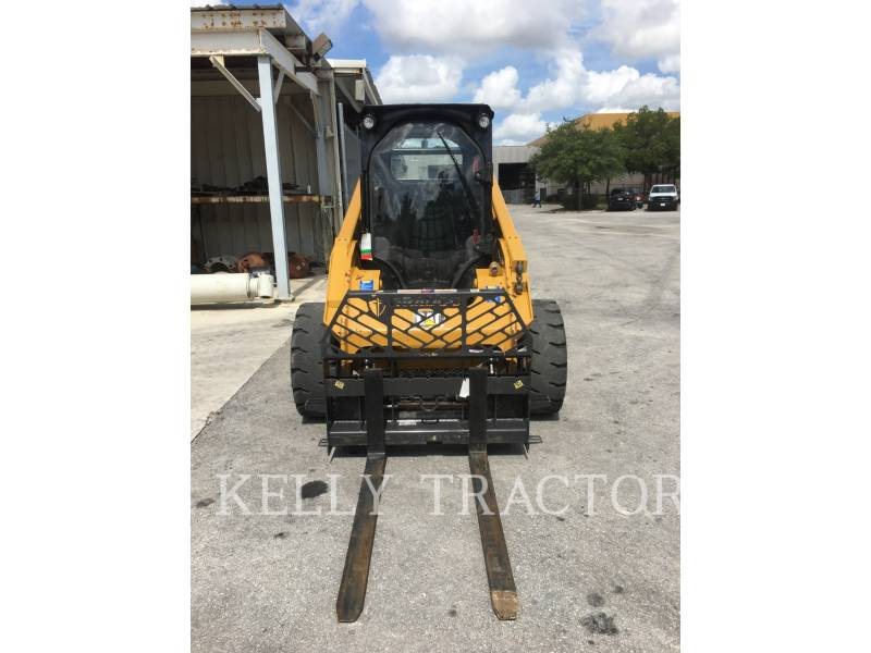 CATERPILLAR MINICARGADORAS 262 D equipment  photo 8