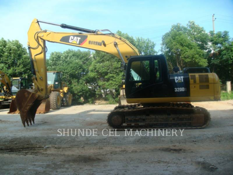 CATERPILLAR KETTEN-HYDRAULIKBAGGER 320D2 equipment  photo 9