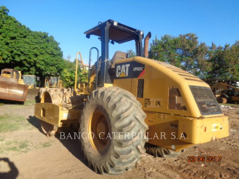 CATERPILLAR COMPACTEUR VIBRANT, MONOCYLINDRE À PIEDS DAMEURS CP-533E equipment  photo 2