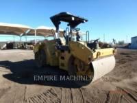 Equipment photo CATERPILLAR CB64 ROLO COMPACTADOR DE ASFALTO DUPLO TANDEM 1