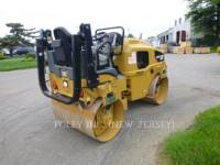 CATERPILLAR TRILLENDE DUBBELE TROMMELASFALTEERMACHINE CB24B equipment  photo 2