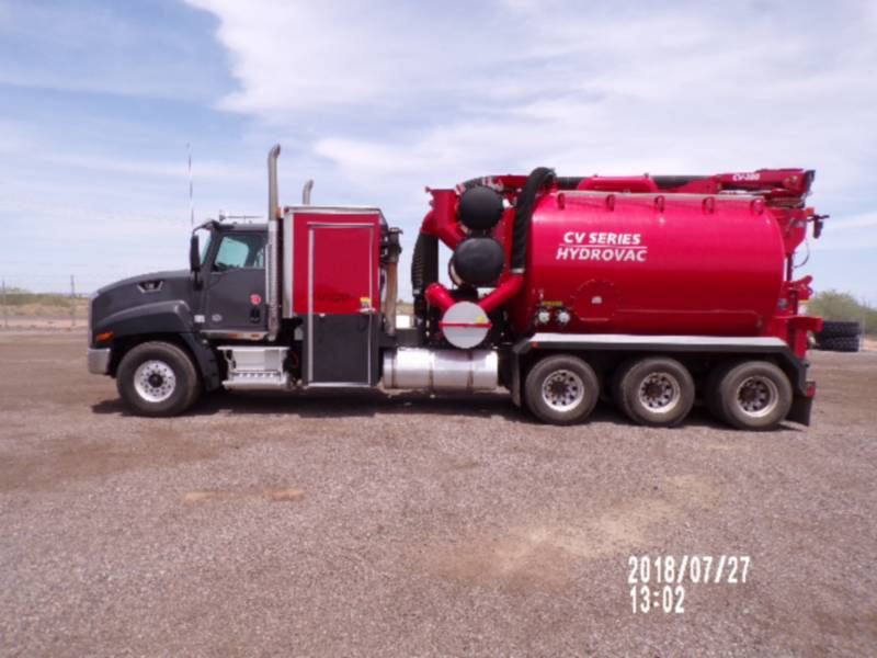 CATERPILLAR CIĘŻARÓWKI DROGOWE CT660L equipment  photo 2