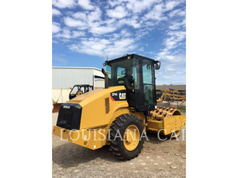 CATERPILLAR COMPACTEURS CP44 equipment  photo 4