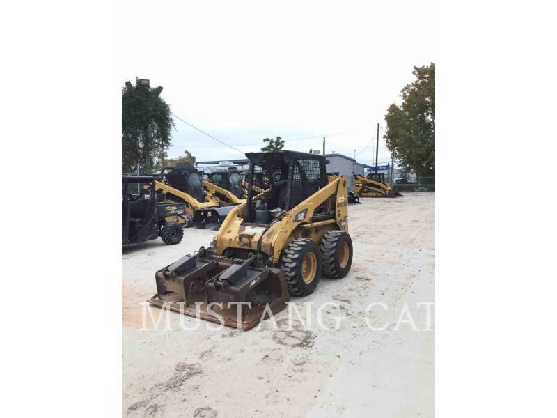 CATERPILLAR CHARGEURS COMPACTS RIGIDES 236B3 equipment  photo 1