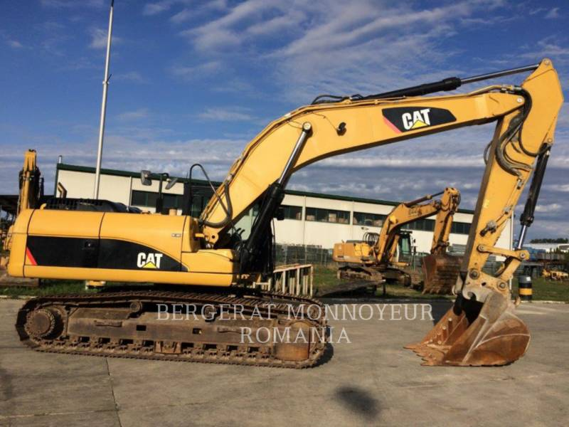 CATERPILLAR TRACK EXCAVATORS 329 D LN equipment  photo 2