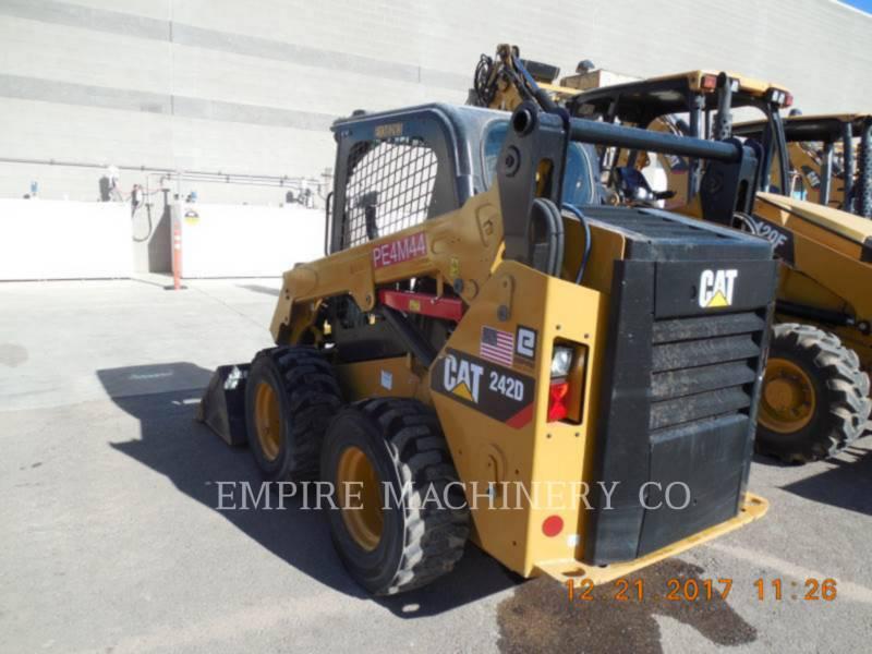 CATERPILLAR SKID STEER LOADERS 242D equipment  photo 3