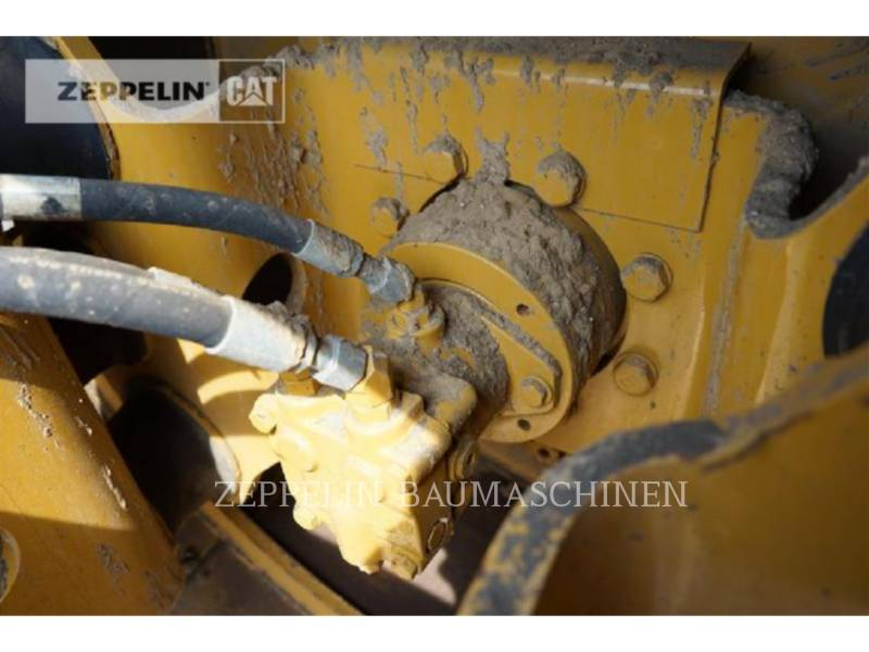CATERPILLAR VIBRATORY SINGLE DRUM SMOOTH CS44 equipment  photo 12