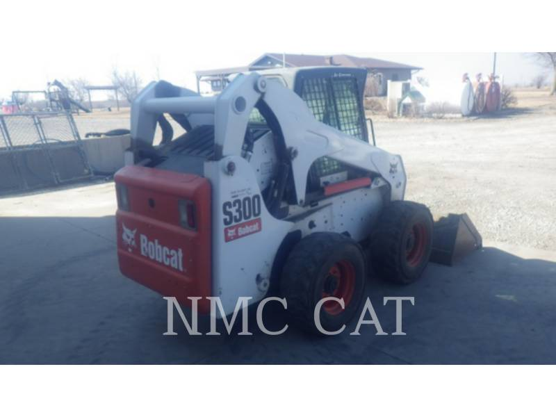 BOBCAT KOMPAKTLADER S300_BB equipment  photo 3