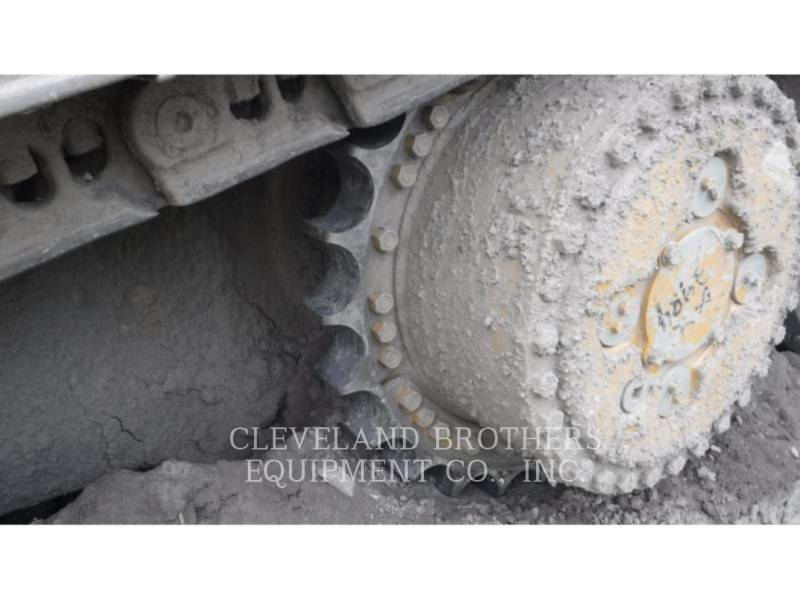 CATERPILLAR TRACK TYPE TRACTORS D8T CGC equipment  photo 6
