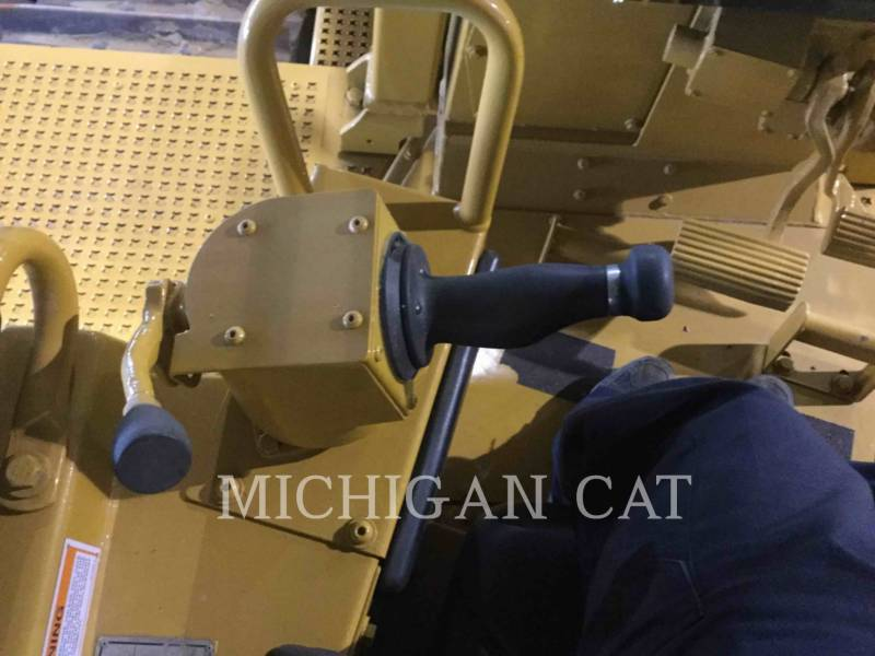 CATERPILLAR KETTENDOZER D8N equipment  photo 20