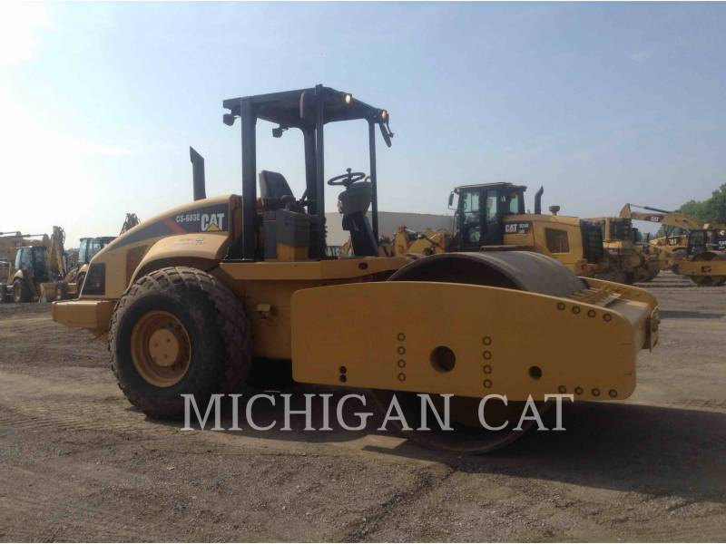 CATERPILLAR COMPACTADORES DE SUELOS CS683E equipment  photo 2