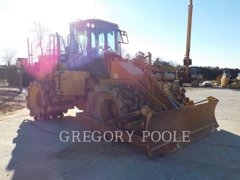 CATERPILLAR TRACTEURS SUR PNEUS 815F II equipment  photo 23