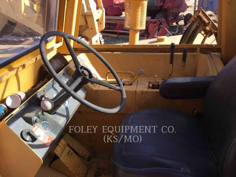 JOHN DEERE WHEEL TRACTOR SCRAPERS 760A equipment  photo 18