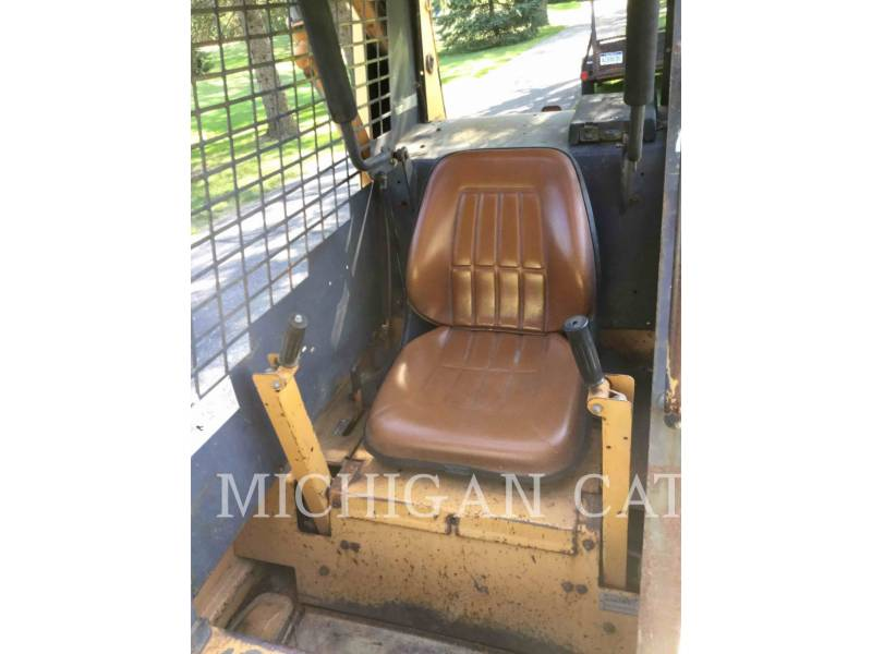 CASE SKID STEER LOADERS 1845C equipment  photo 5