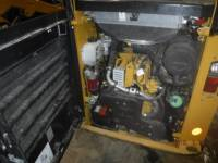 CATERPILLAR MINICARGADORAS 242D equipment  photo 11