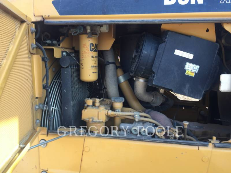 CATERPILLAR KETTENDOZER D6N equipment  photo 12