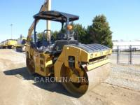 CATERPILLAR TRILLENDE DUBBELE TROMMELASFALTEERMACHINE CB54B equipment  photo 2