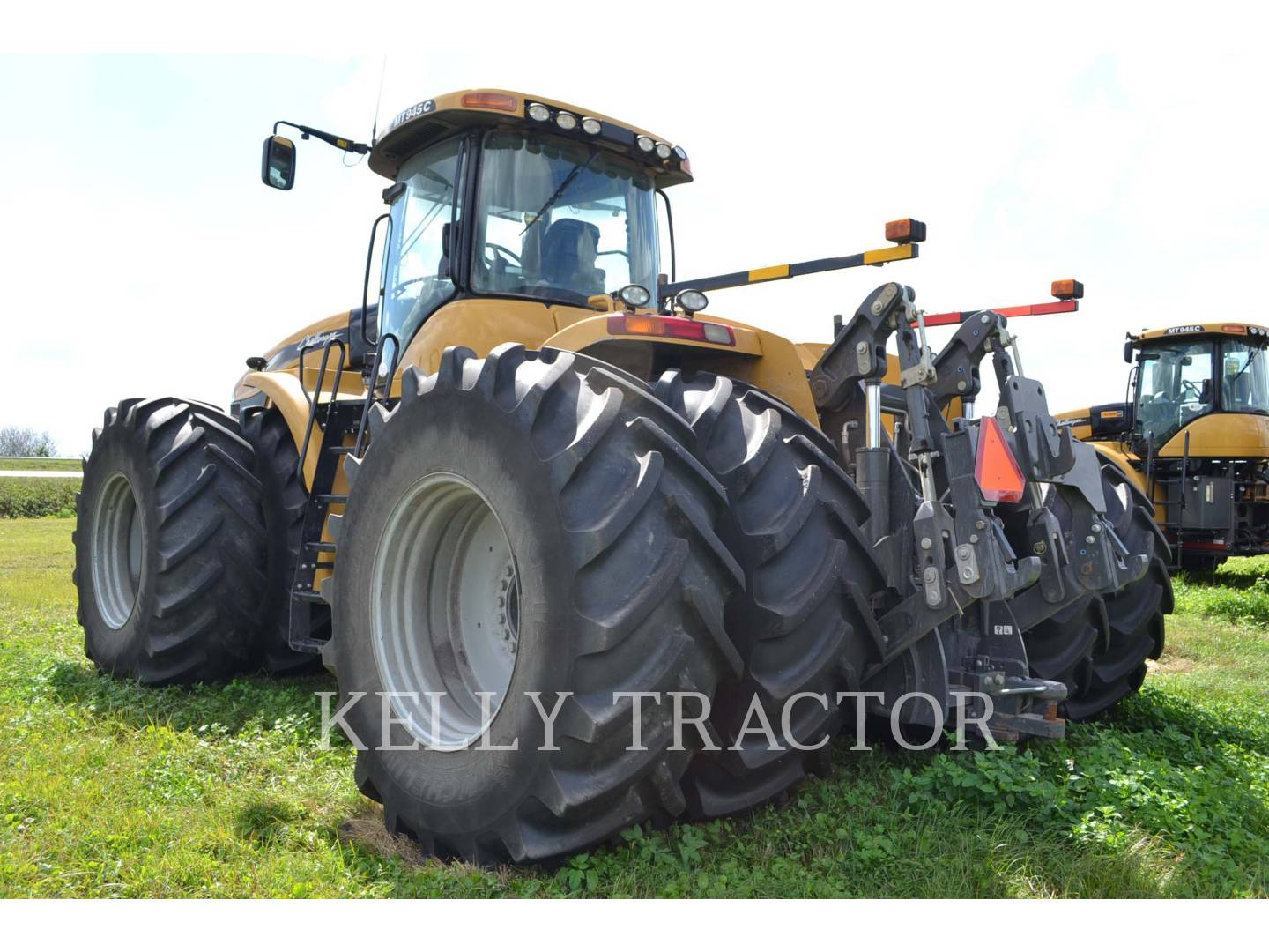 Detail photo of 2011 Challenger MT945C from Construction Equipment Guide