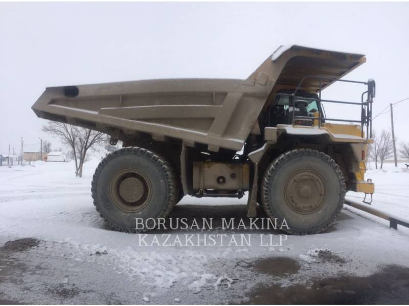 KOMATSU DUMP TRUCKS HD325  equipment  photo 1