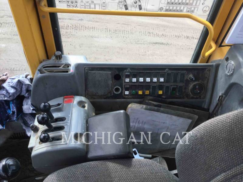 VOLVO CONSTRUCTION EQUIPMENT WHEEL LOADERS/INTEGRATED TOOLCARRIERS L120E equipment  photo 6