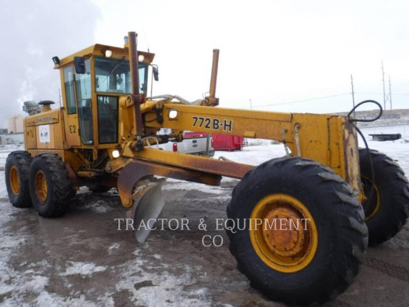 JOHN DEERE NIVELEUSES 772BH equipment  photo 7