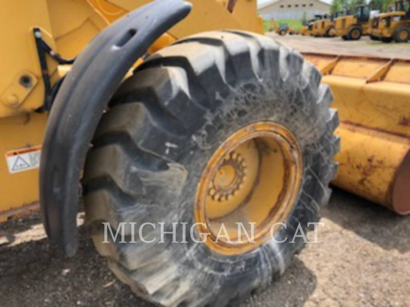 CATERPILLAR PALE GOMMATE/PALE GOMMATE MULTIUSO 924GZ equipment  photo 16