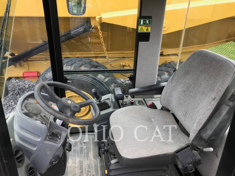 CATERPILLAR RODILLOS COMBINADOS CS433E equipment  photo 5