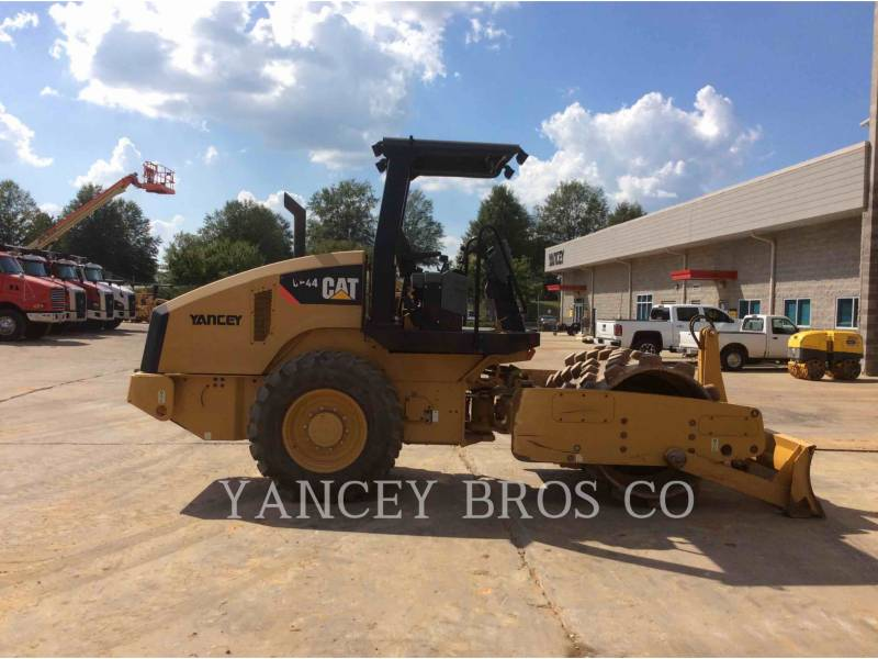 CATERPILLAR COMPACTORS CP44 equipment  photo 9