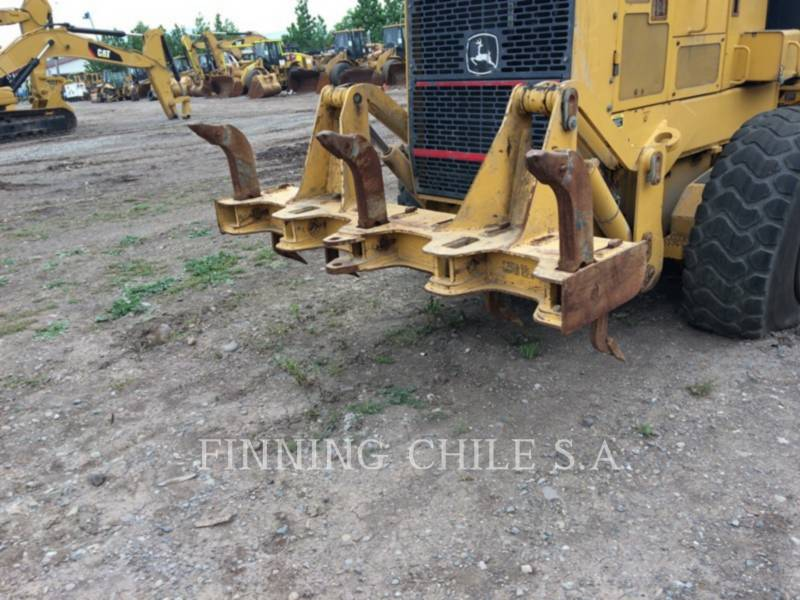 JOHN DEERE NIVELEUSES 772D equipment  photo 7