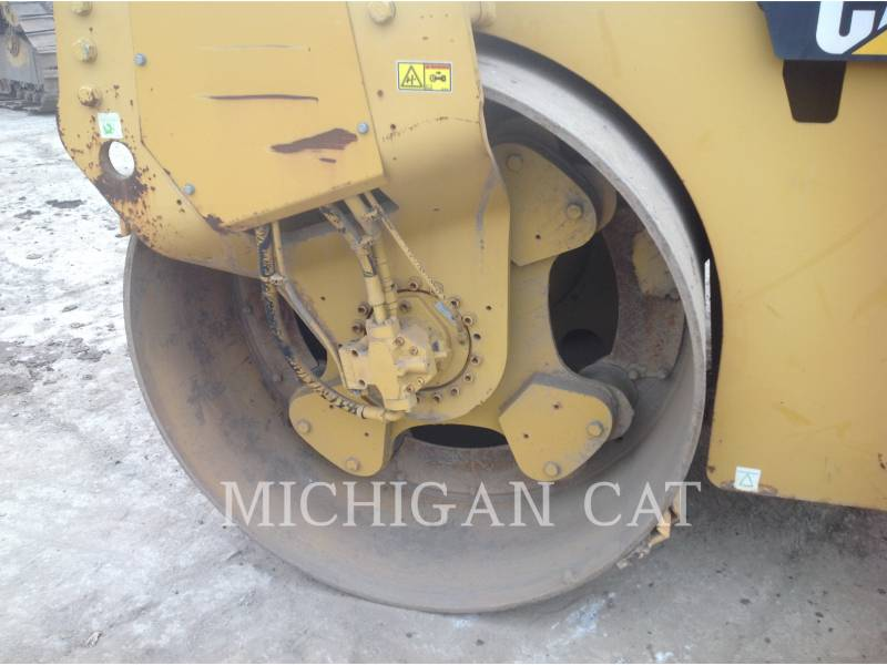 CATERPILLAR VIBRATORY DOUBLE DRUM ASPHALT CB-564D equipment  photo 15