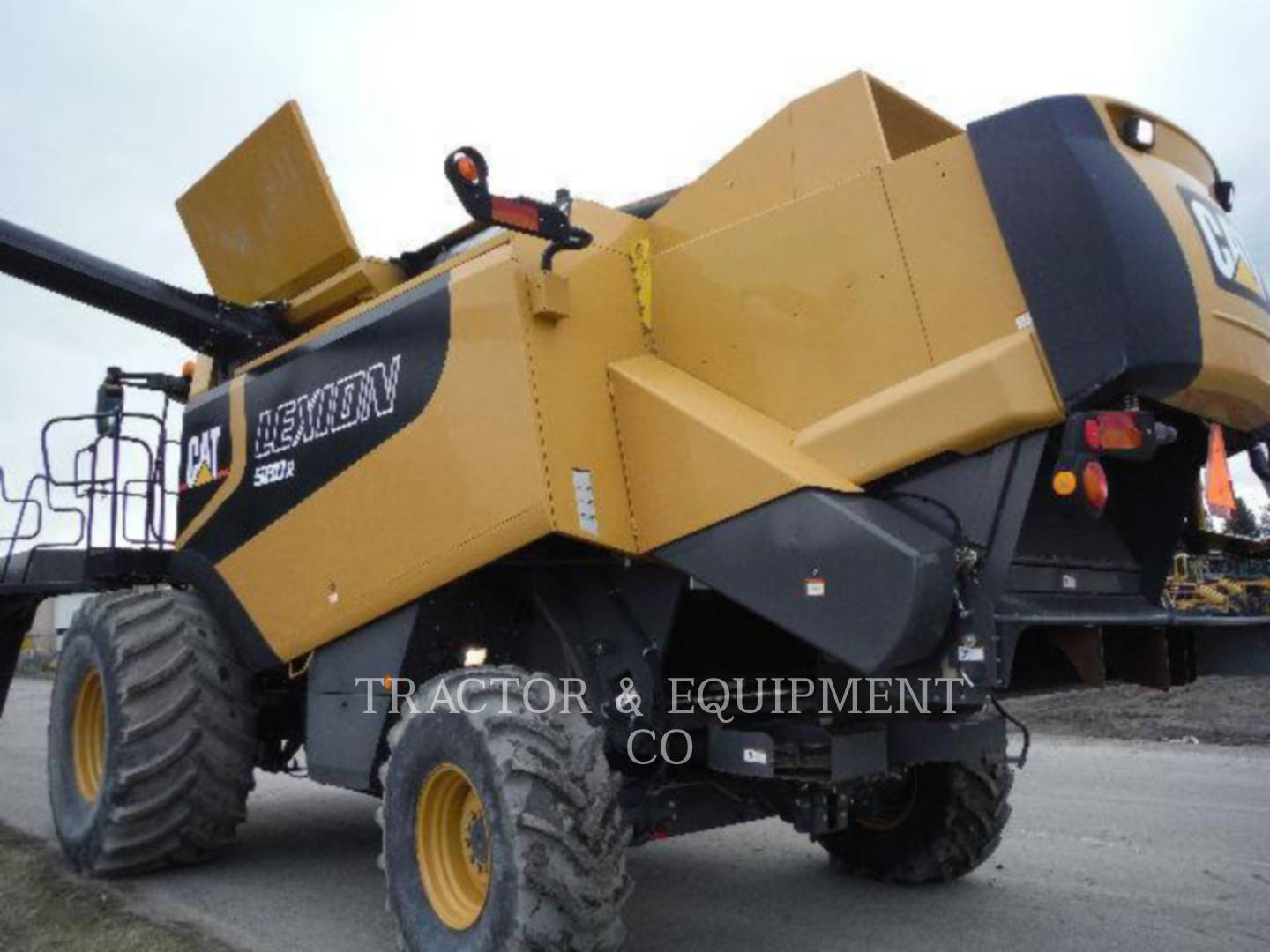 Detail photo of 2004 Lexion LX580R from Construction Equipment Guide