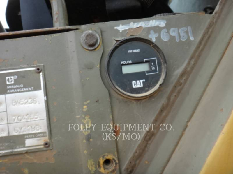 CATERPILLAR MOTOESCREPAS 631E equipment  photo 7
