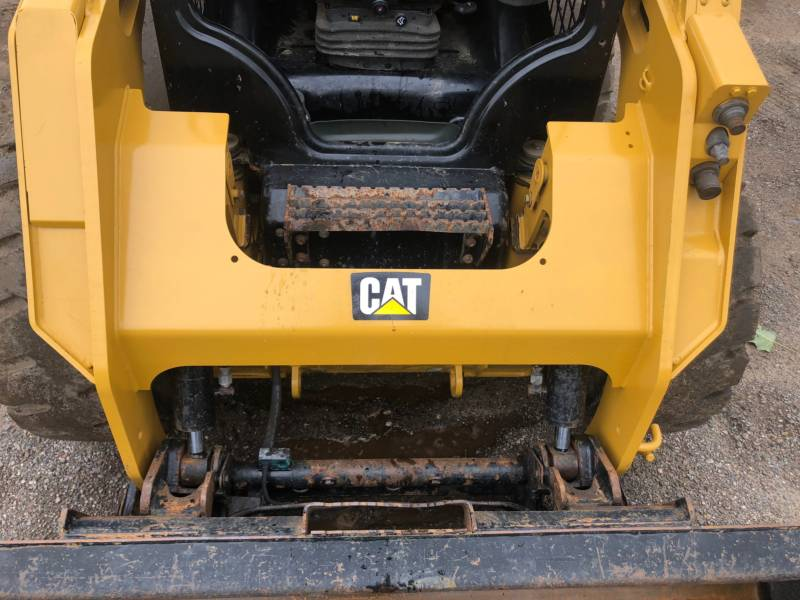 CATERPILLAR MINICARGADORAS 236 D equipment  photo 17