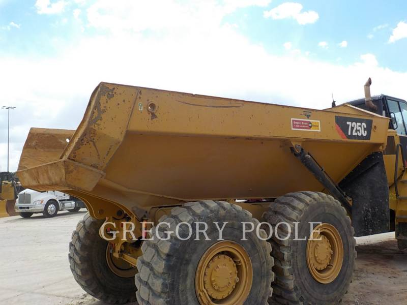 CATERPILLAR DUMPER ARTICOLATI 725C equipment  photo 10