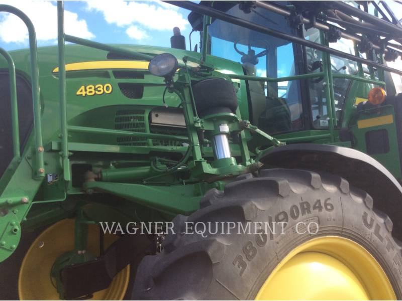 DEERE & CO. SPRAYER 4830 equipment  photo 4