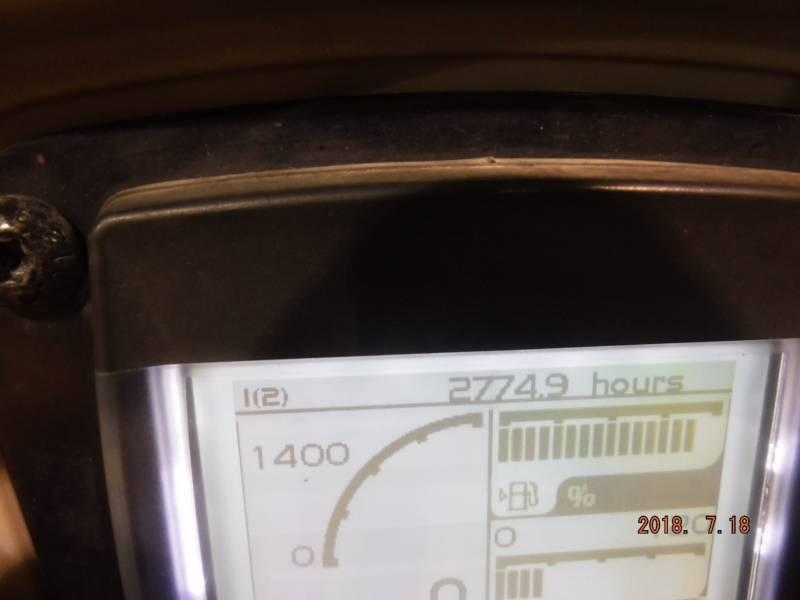 CATERPILLAR VIBRATORY DOUBLE DRUM ASPHALT CB24B equipment  photo 8