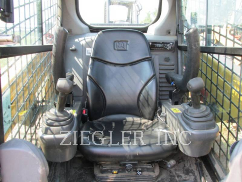 CATERPILLAR CHARGEURS COMPACTS RIGIDES 236DSR equipment  photo 5