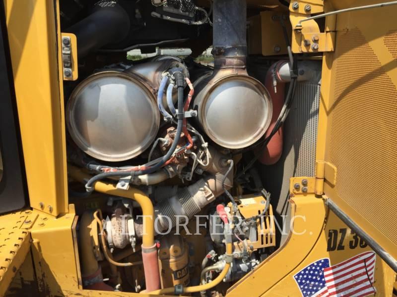CATERPILLAR TRACK TYPE TRACTORS D6T XL equipment  photo 11